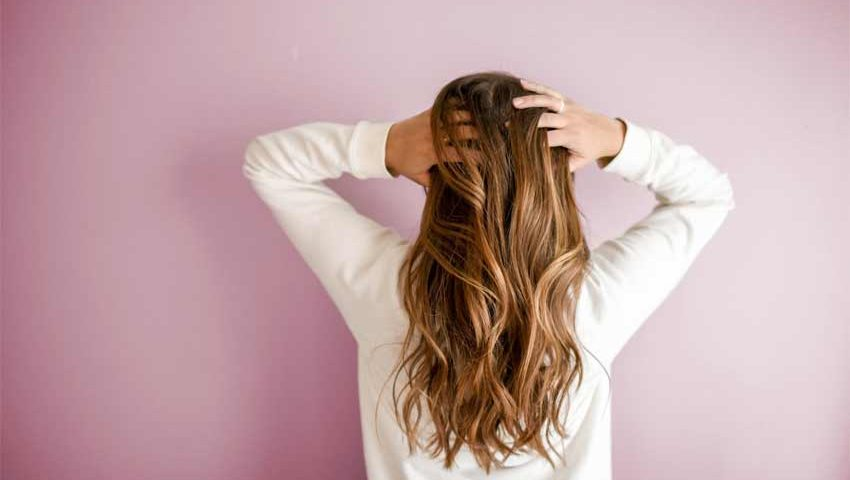 what causes dry hair