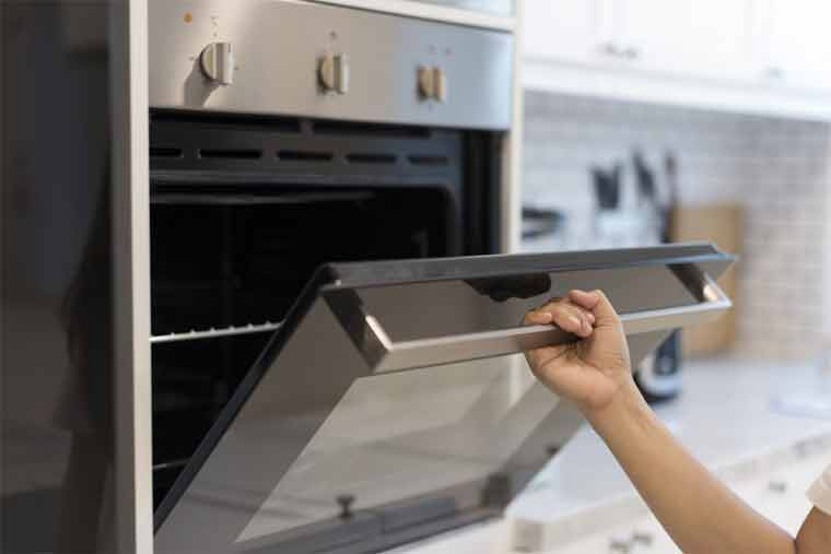 How does a table top convection oven works