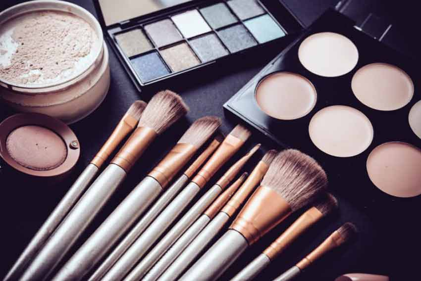 what is the difference between compact powder and face powder